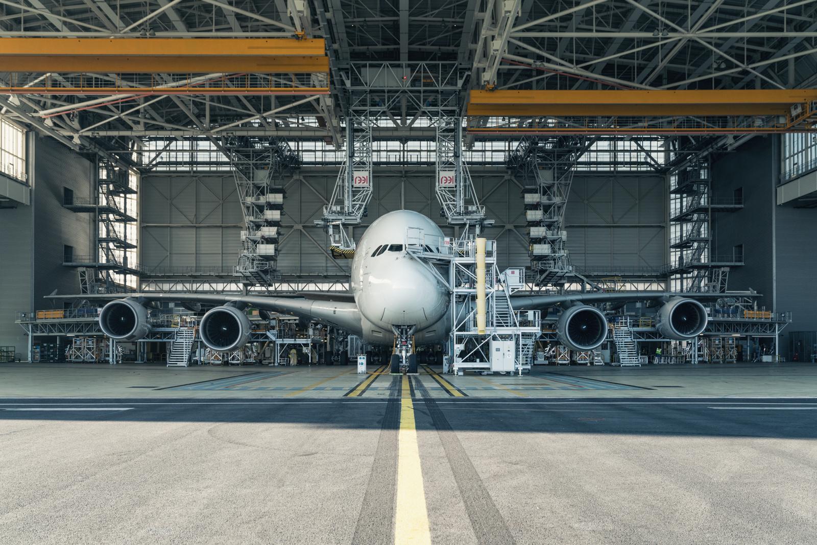 RP - Porsche Cayenne A380 World Record Tow.jpg