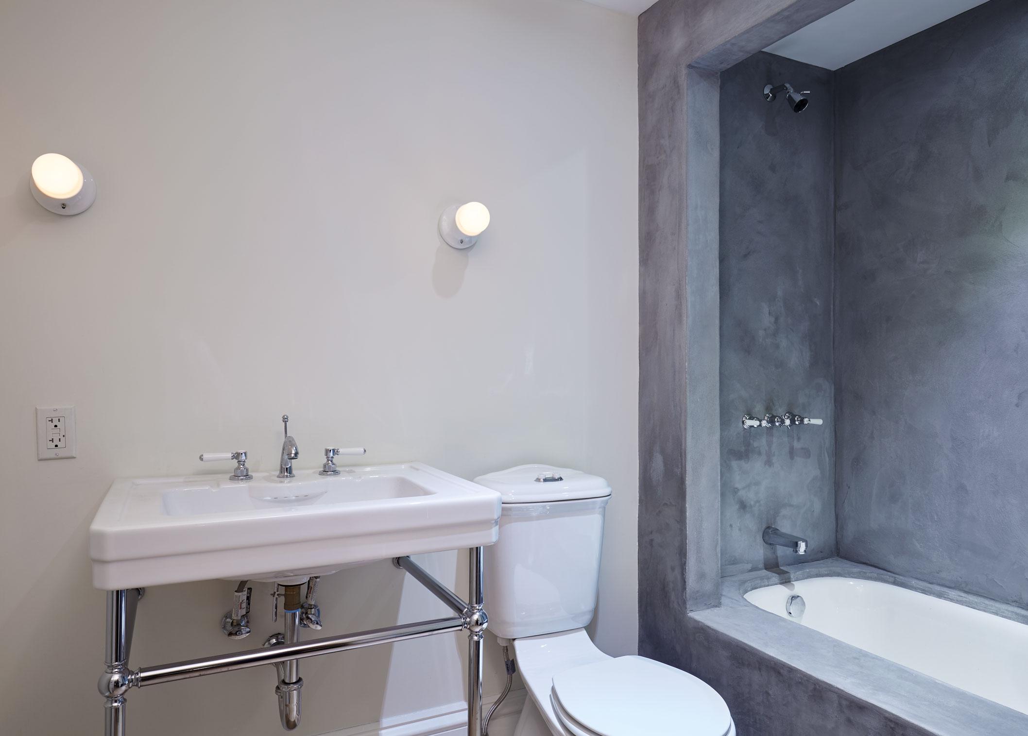 guest_bathroom_015.jpg