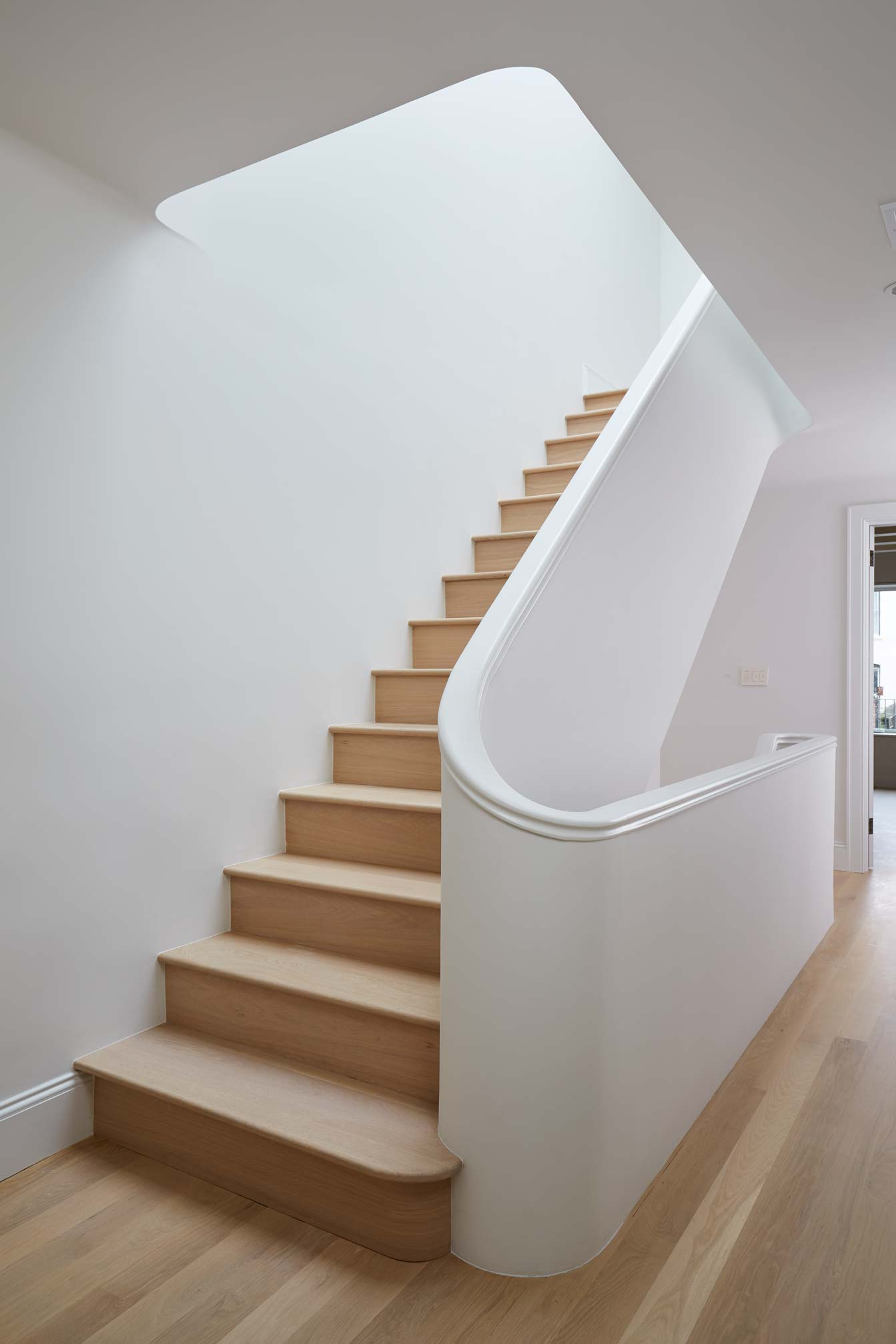 2nd_floor_stairs_024.jpg