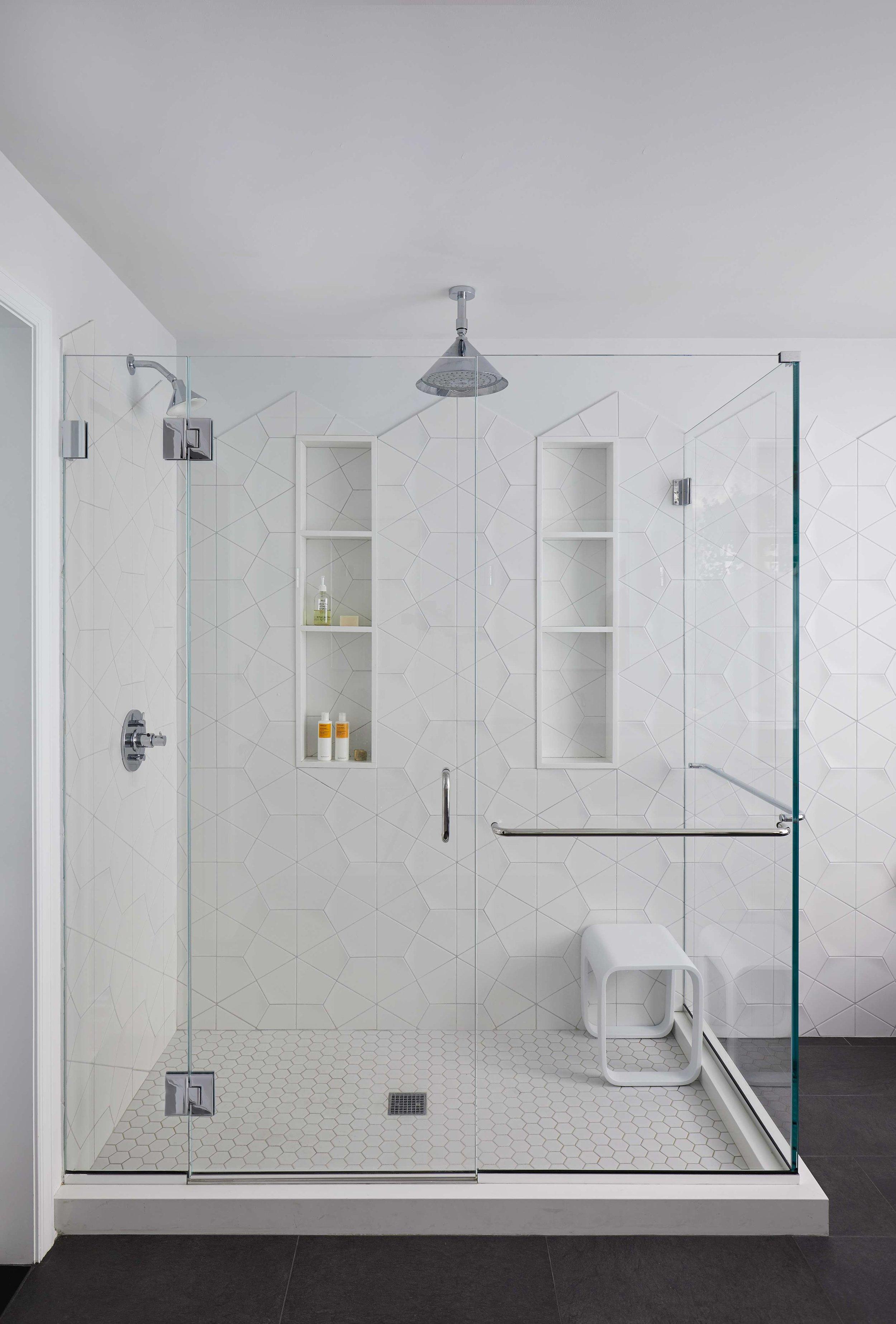master_bathroom_tub_053.jpg