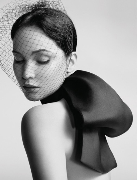 jennifer-lawrence-miss-dior-spring-summer-2013-03.jpg