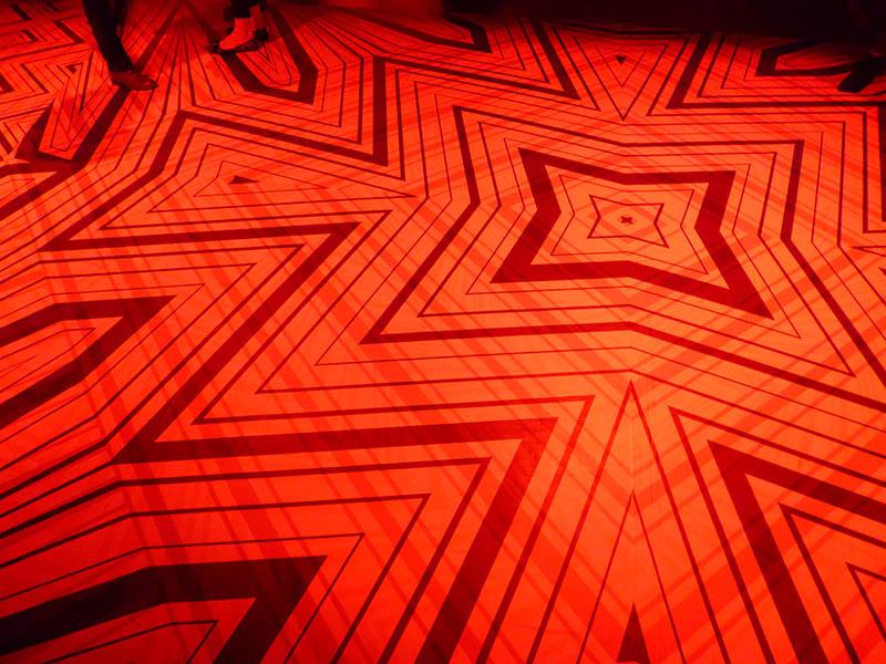 Laura Knight print designer  Missoni zigzagging