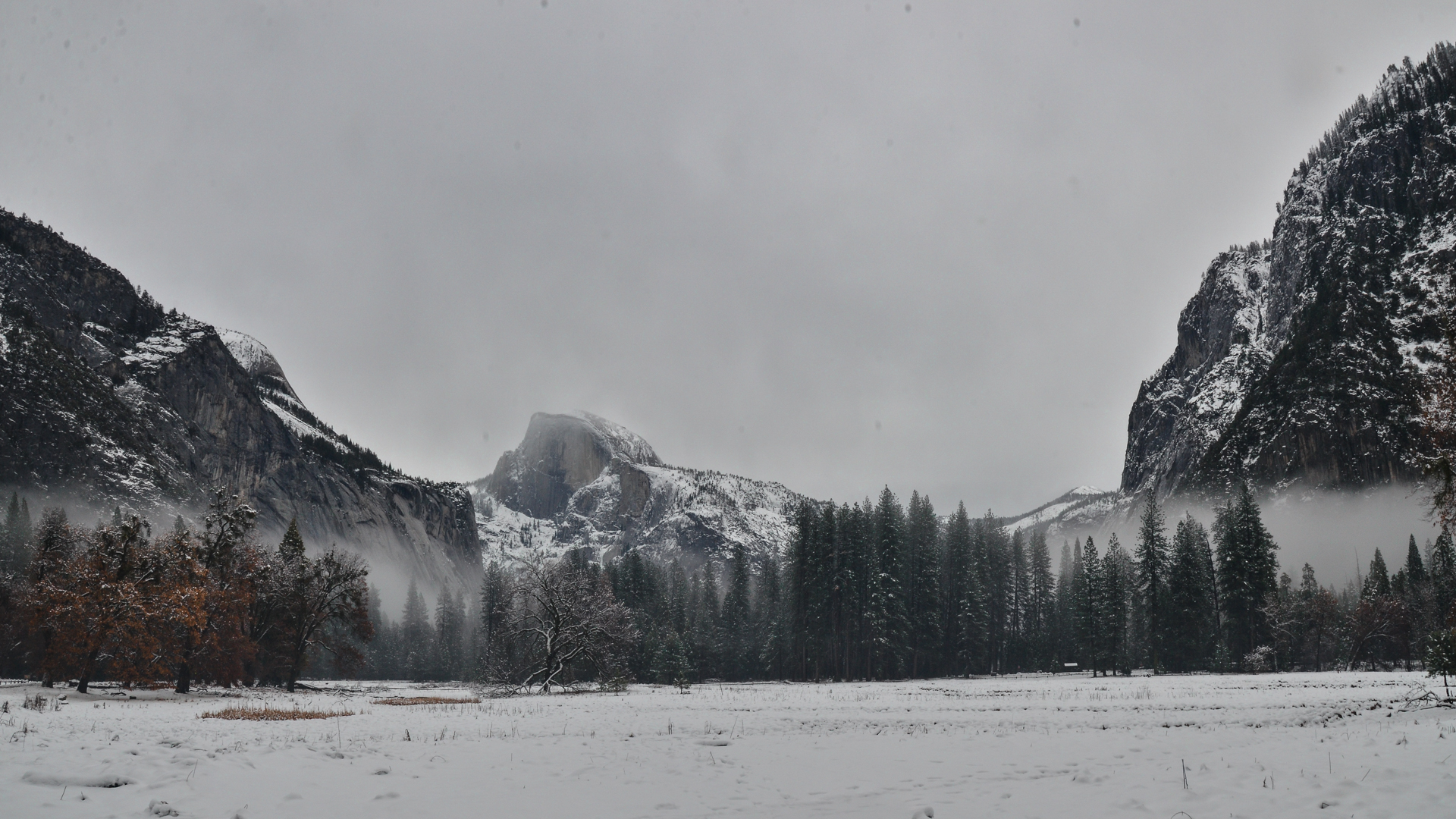 Halfdome in the winter  © Emmaleigh Hundley