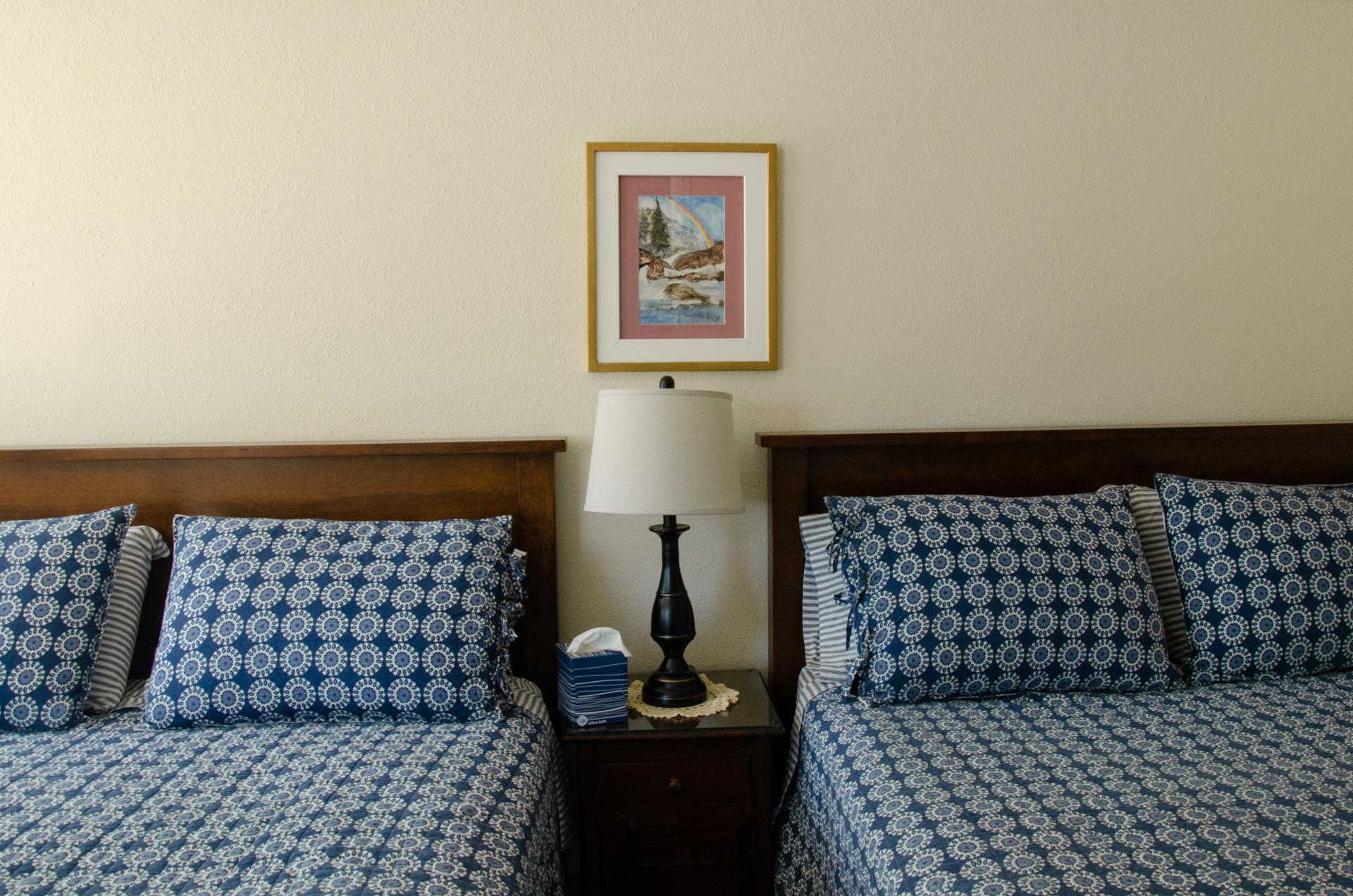 2 queen beds in cabin 2