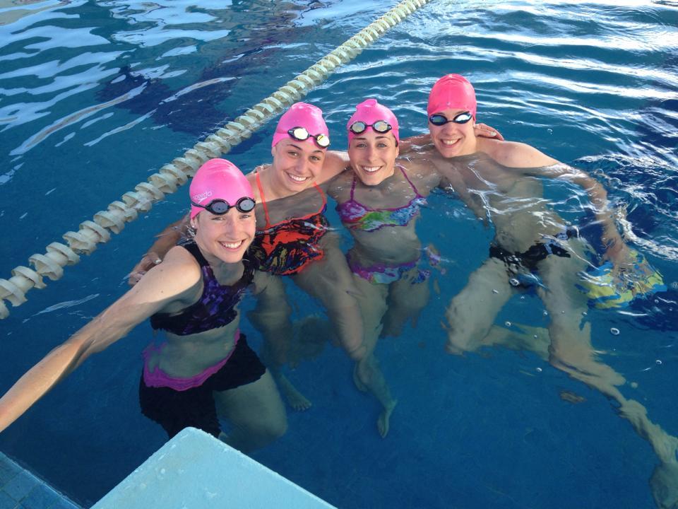 Entraînement en piscine avec mes coéquipiers; Karol-Ann, Stéphanie et Julien