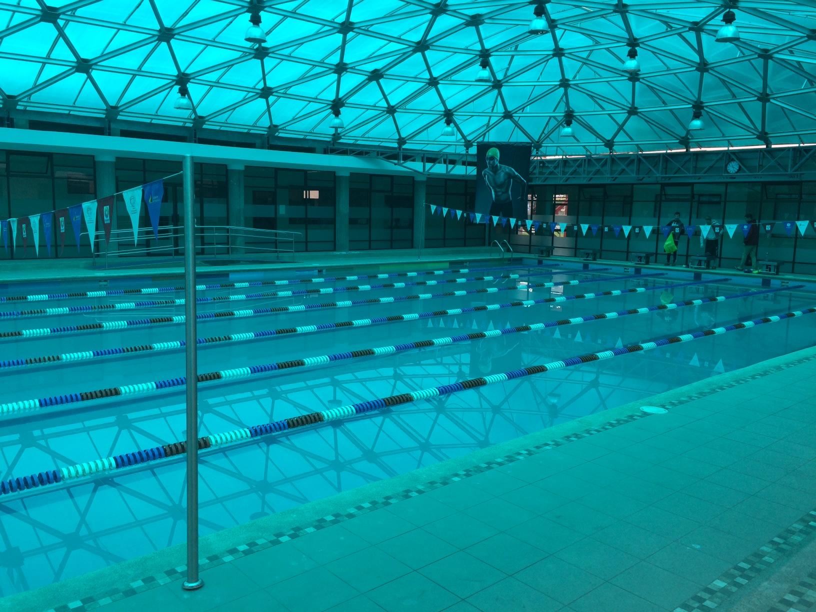 La piscine de 25 m du Centre à Cuenca.
