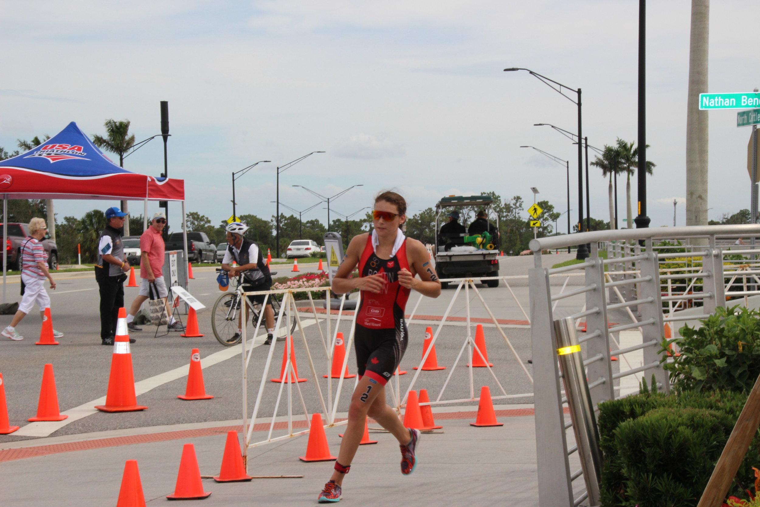 Sarasota, Coupe du Monde changée en duathlon distance olympique. Course à pied à 43 degrés C.