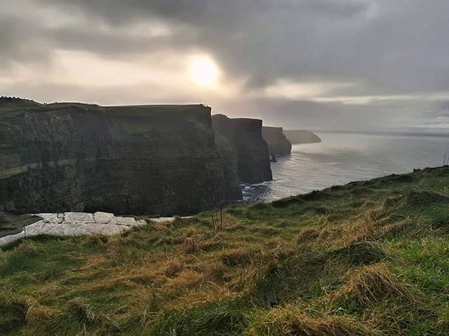 Finally made it to the Cliffs of Moher! Only had to be forced into it by a bunch of Hungarians! 😂😂 . . . . #cliffs #landscape #travel #ireland