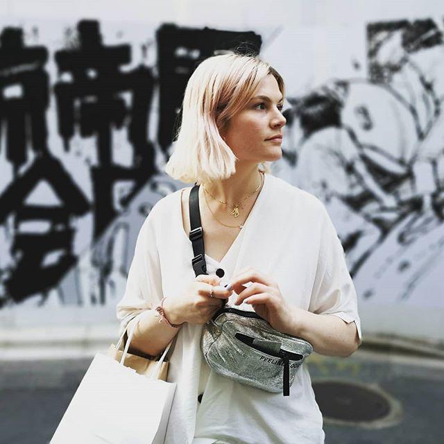 Amy shopping in Shibuya. 🇯🇵 #tokyo #travel #manga #japan