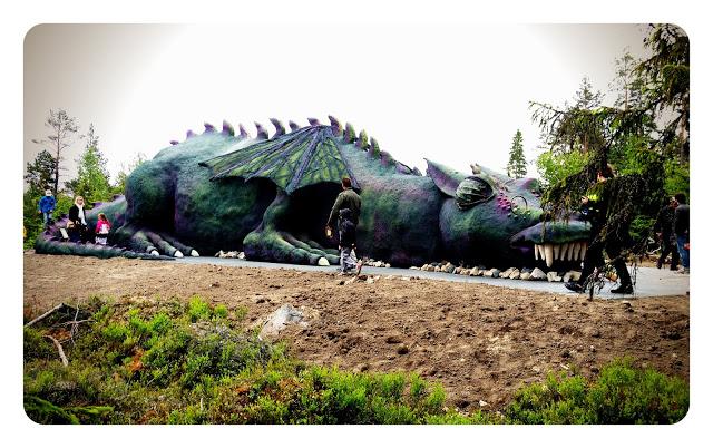 Trolska skogen - Helbild draken Drakzo