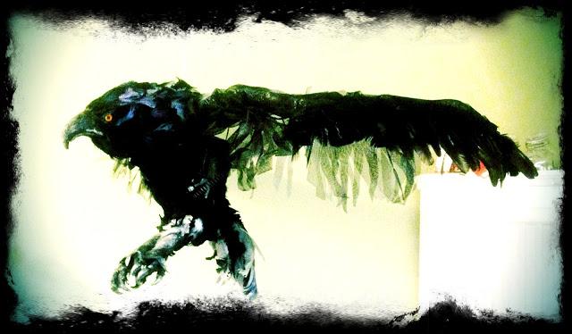 Discoteka Yugostyle - Eagle Dangers, Fågel skapad av Petra Shara Stoor (Shara Creations)