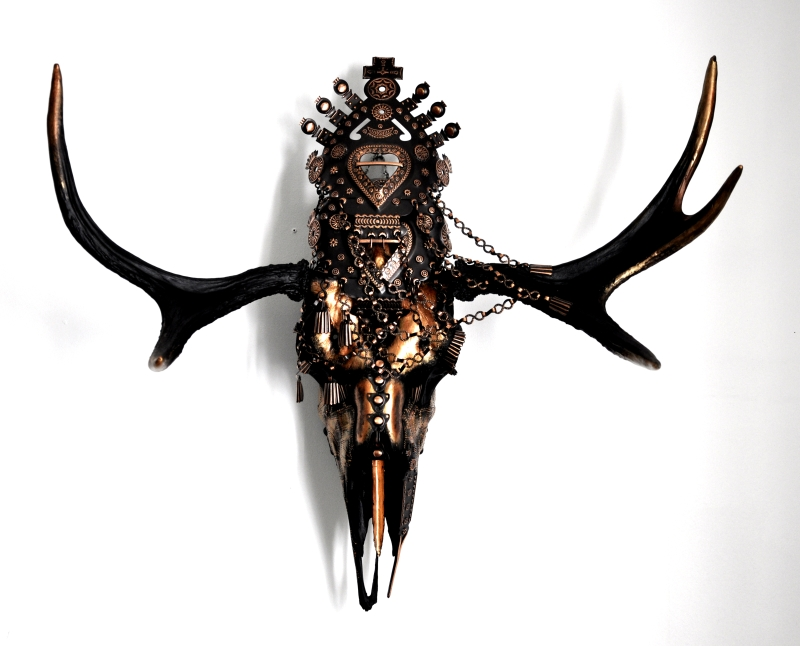 Temyn- The curator of Rav Mear. Skulls & Bones Artwork by Petra Shara Stoor