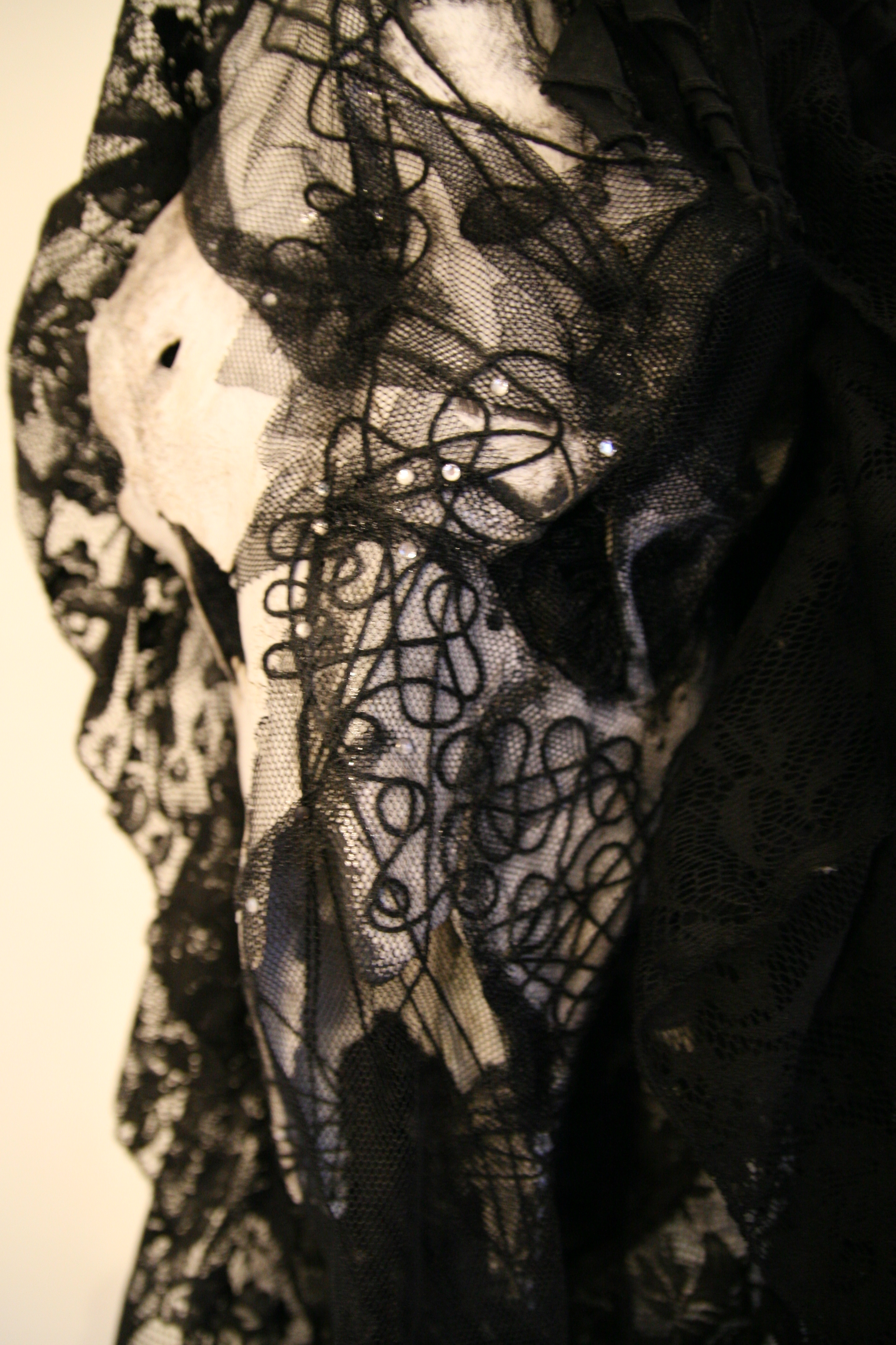 petra-shara-stoor-skull-art-tippithanaa-3.JPG