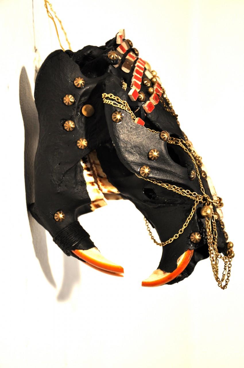 petra-shara-stoor-skull-art-gamavoraa-3.jpg