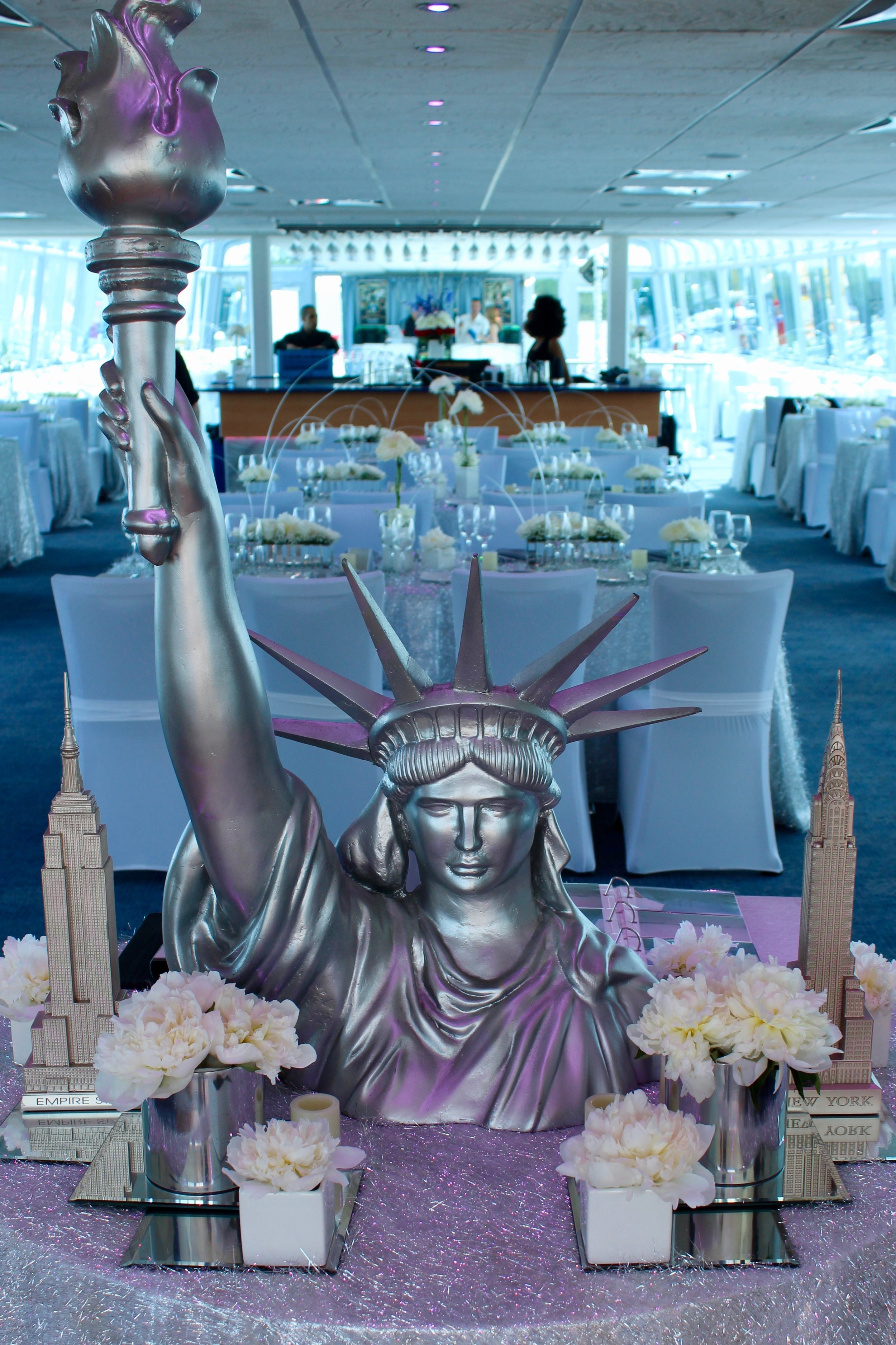 nyc+themed+props+decor+centerpieces+statue+of+liberty+for+rent+nj+ny+pa+eggsotic+events.jpeg