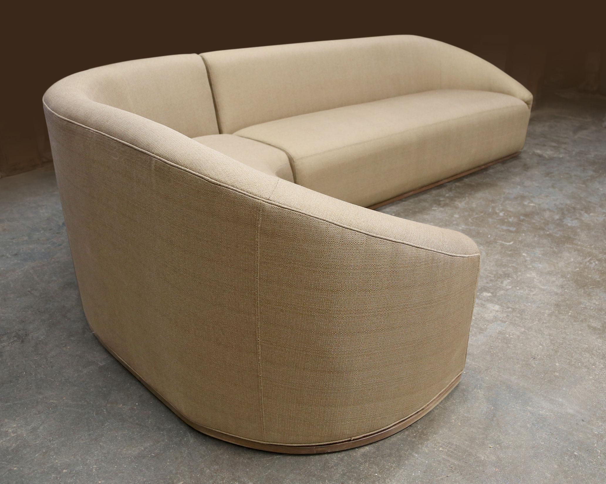 Baashe Sectional Sofa