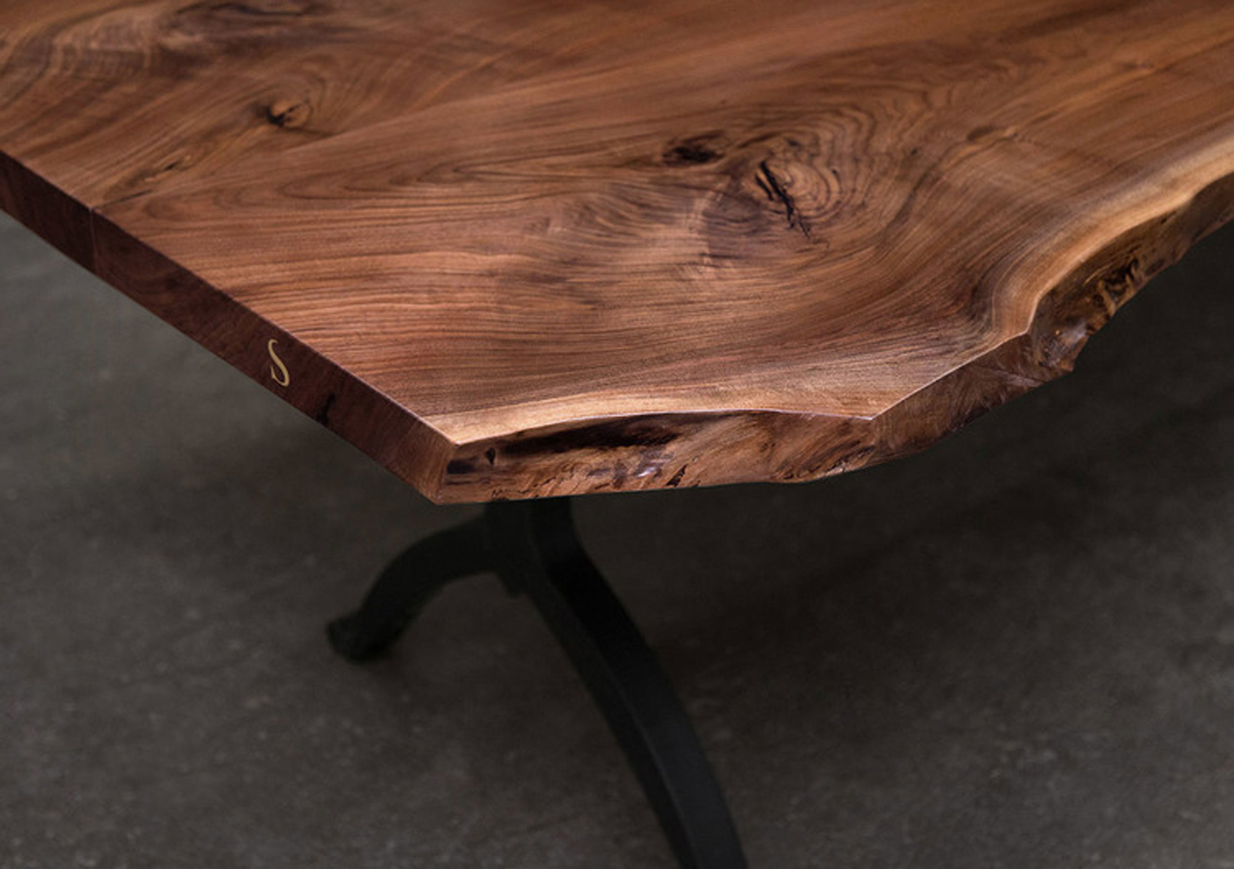 live_edge_dining_table_4.jpg