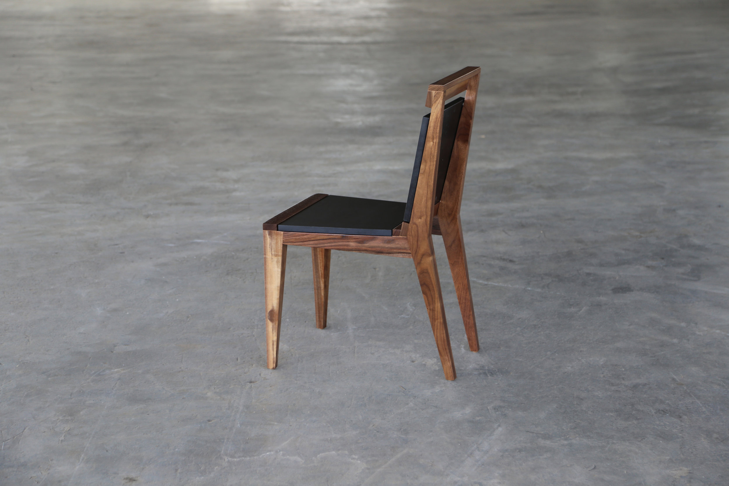 SENTIENT_angles_dining_chair_black2.JPG