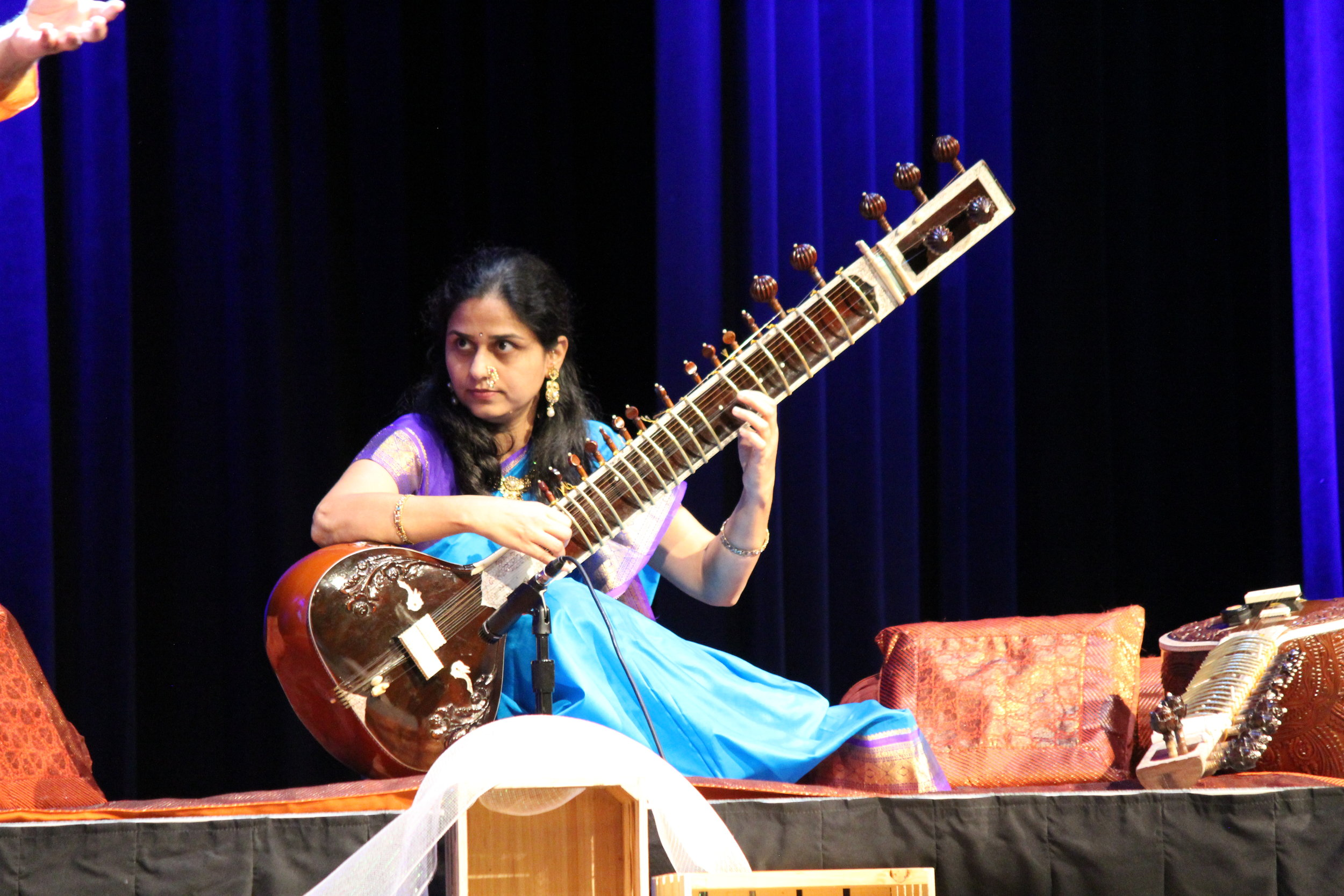 Sangeeta on sitar 2.JPG