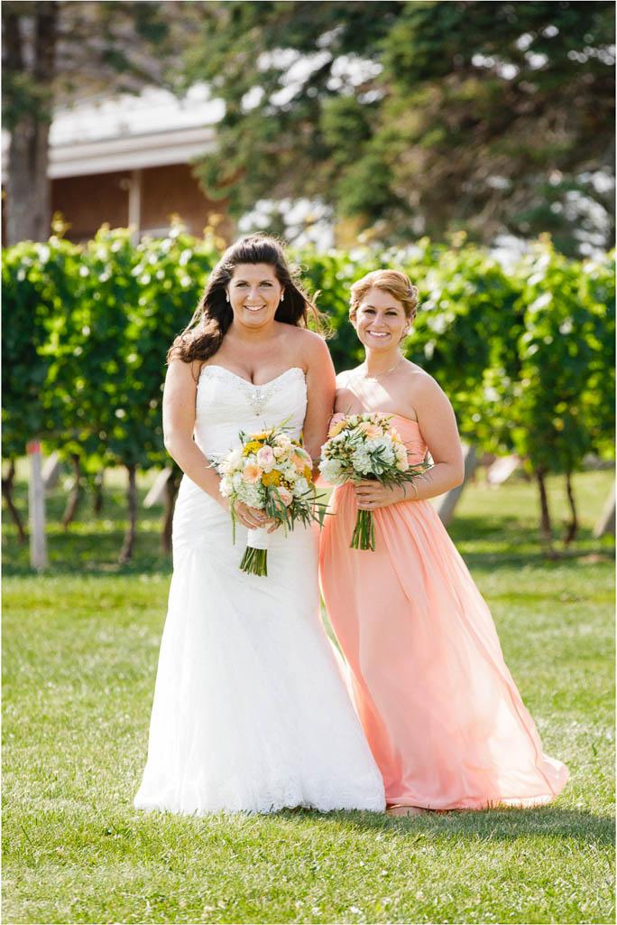 Newport-Vineyards-Bridesmaid-Photos.jpg