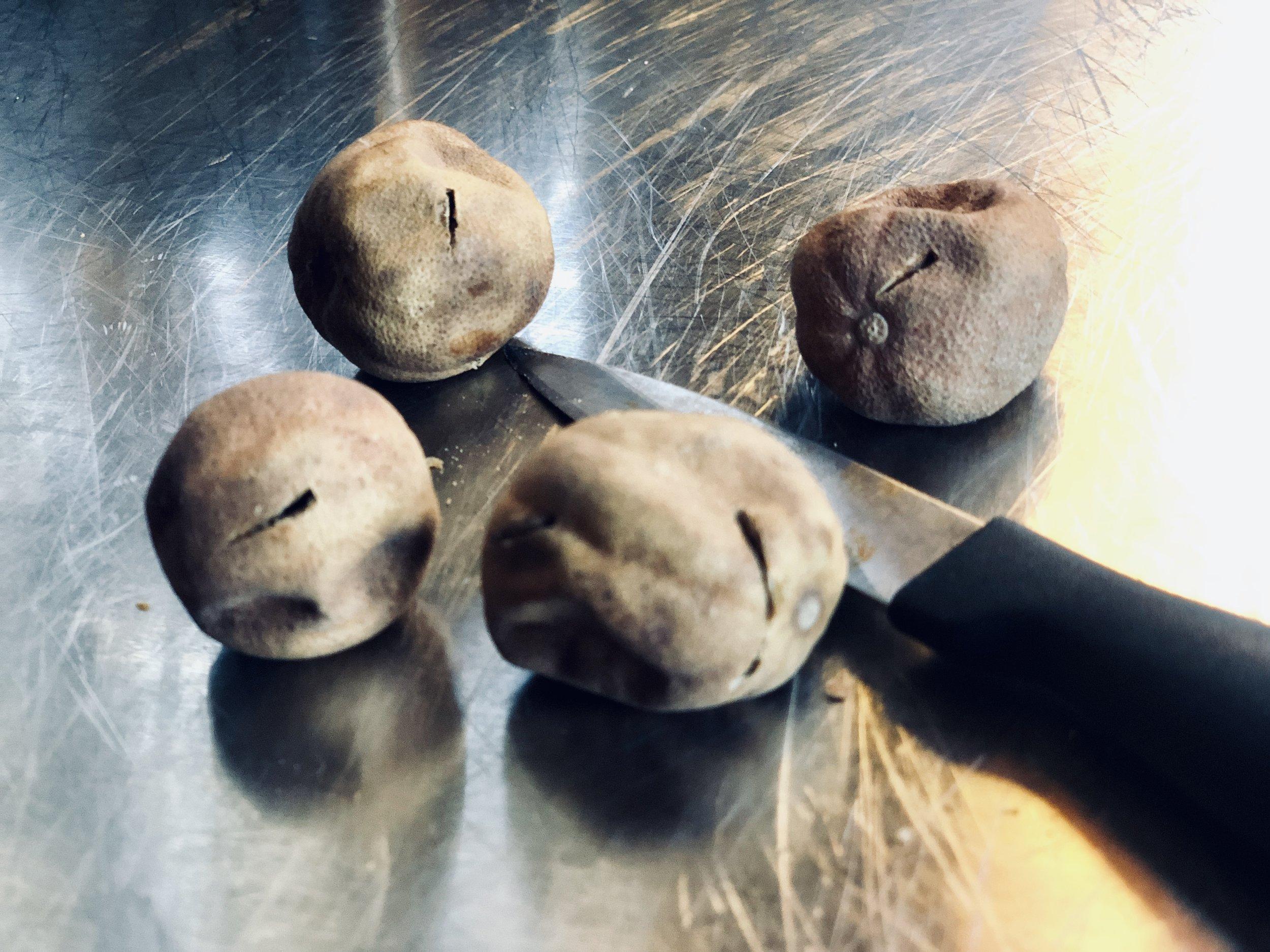 Limoo Amani    - Dried Lime Balls