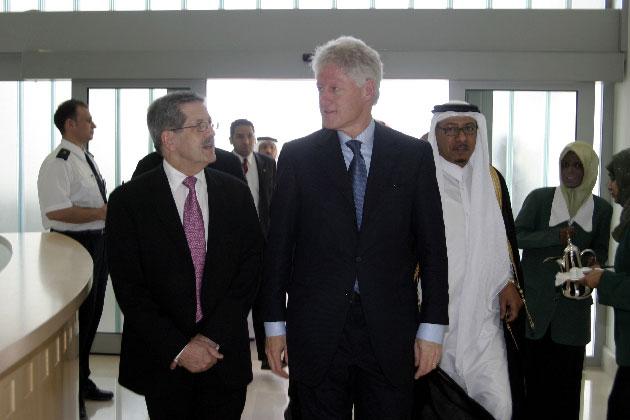 Bill Clinton in Qatar in 2004