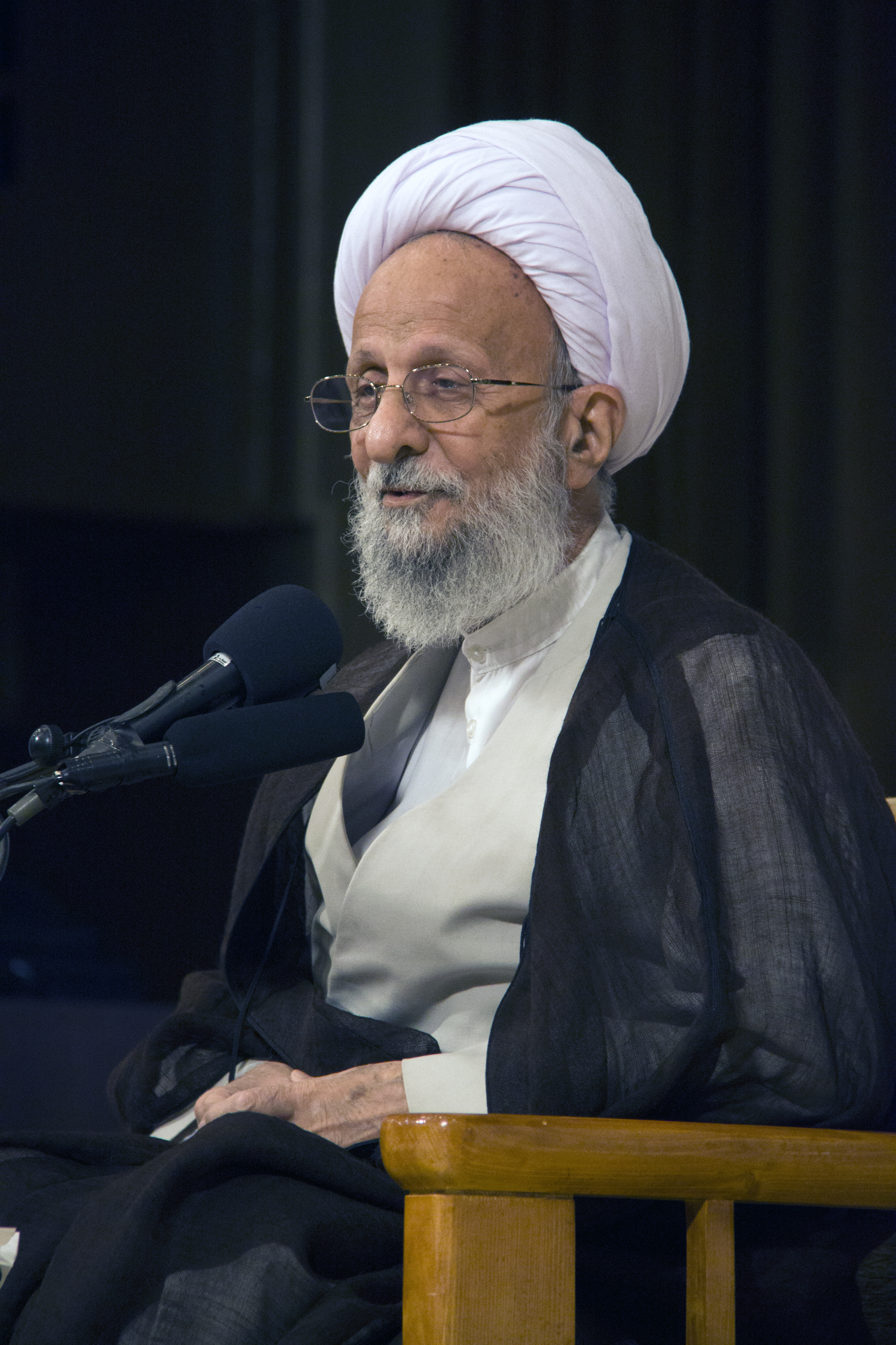 Mohammad-Taqi Mesbah-Yazdi in 2016  Mostafameraji [CC BY-SA 4.0 (https://creativecommons.org/licenses/by-sa/4.0)], from Wikimedia Commons