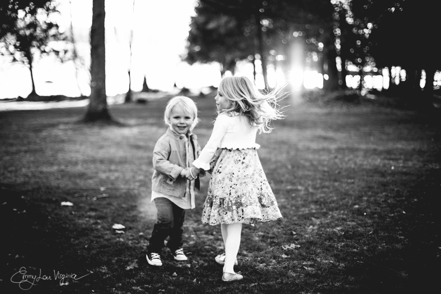 North Vancouver Family Photographer - Emmy Lou Virginia Photography-9.jpg