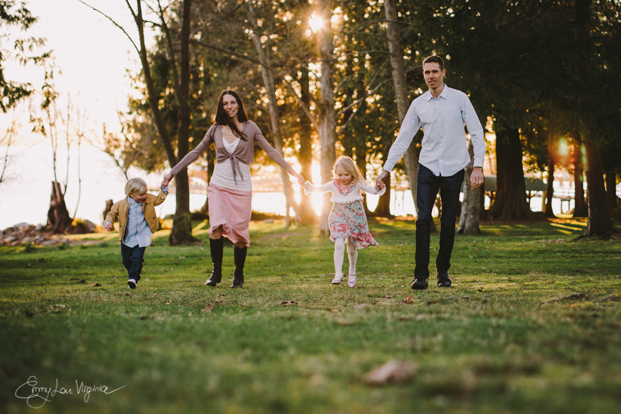 North Vancouver Family Photographer - Emmy Lou Virginia Photography-18.jpg