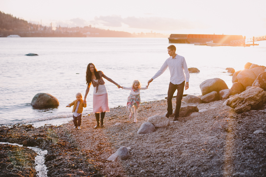 North Vancouver Family Photographer - Emmy Lou Virginia Photography-27.jpg