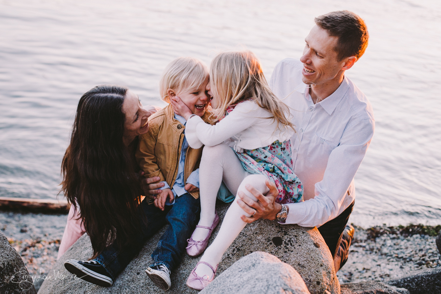 North Vancouver Family Photographer - Emmy Lou Virginia Photography-35.jpg