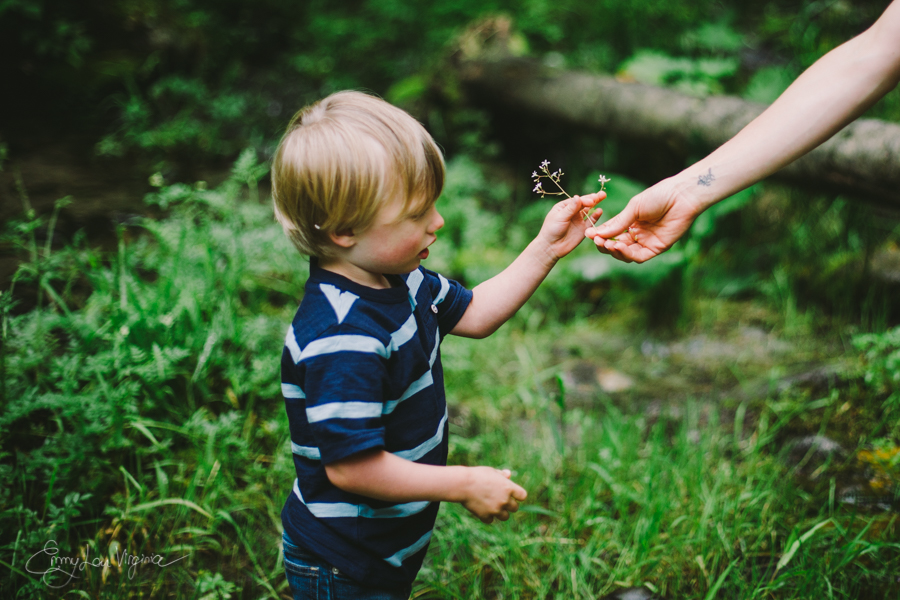 North Vancouver Family Photographer - Emmy Lou Virginia Photography-20.jpg