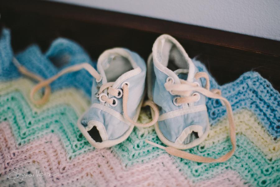 Vancouver Newborn Photographer - Emmy Lou Virginia Photography.jpg