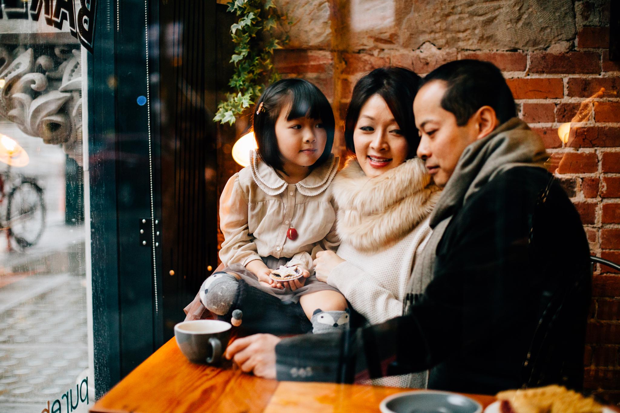 Vancouver family photographer bakery mini session-4.jpg