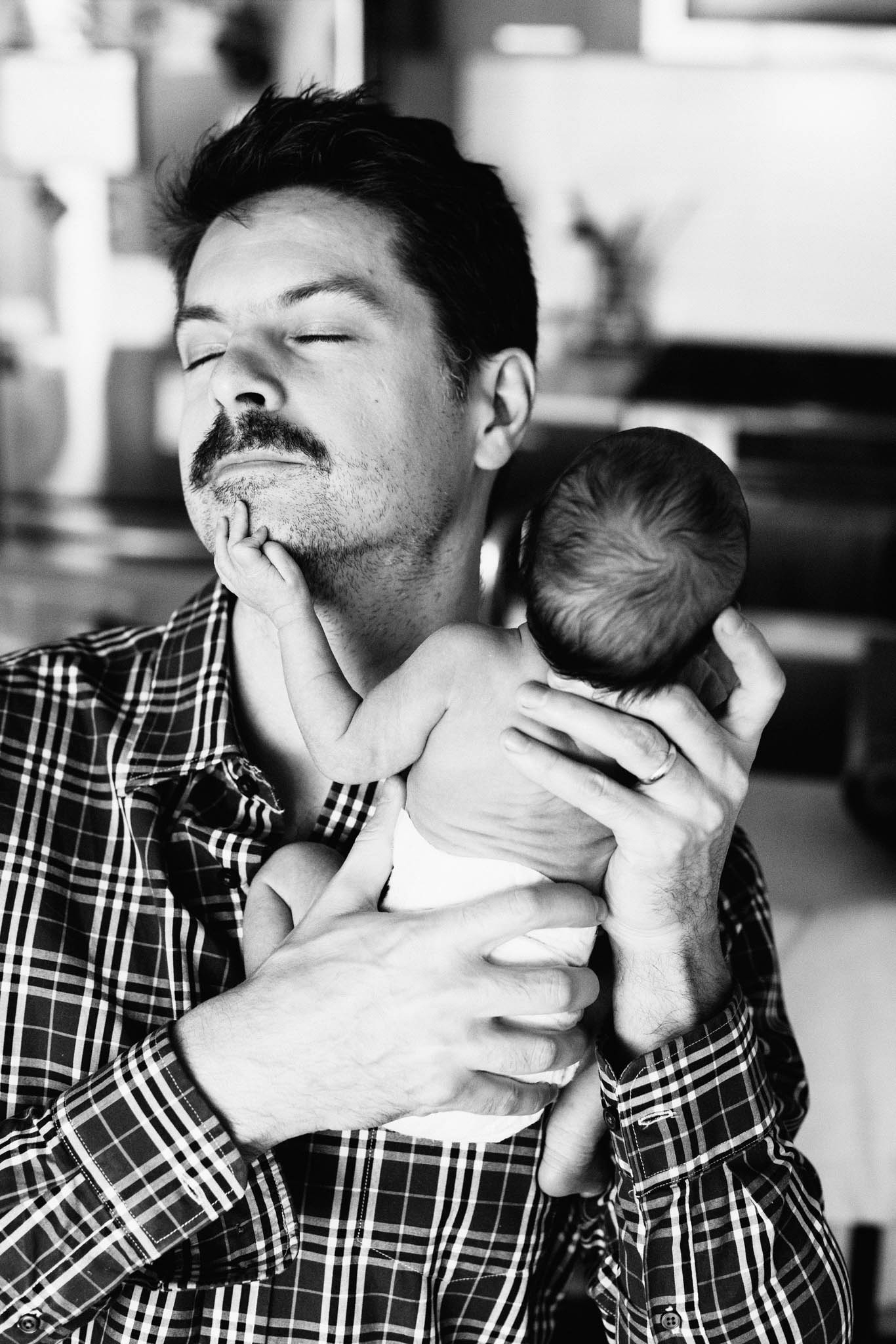 vancouver at home lifestyle newborn photographer - Emmy Lou Virginia Photography-8.jpg