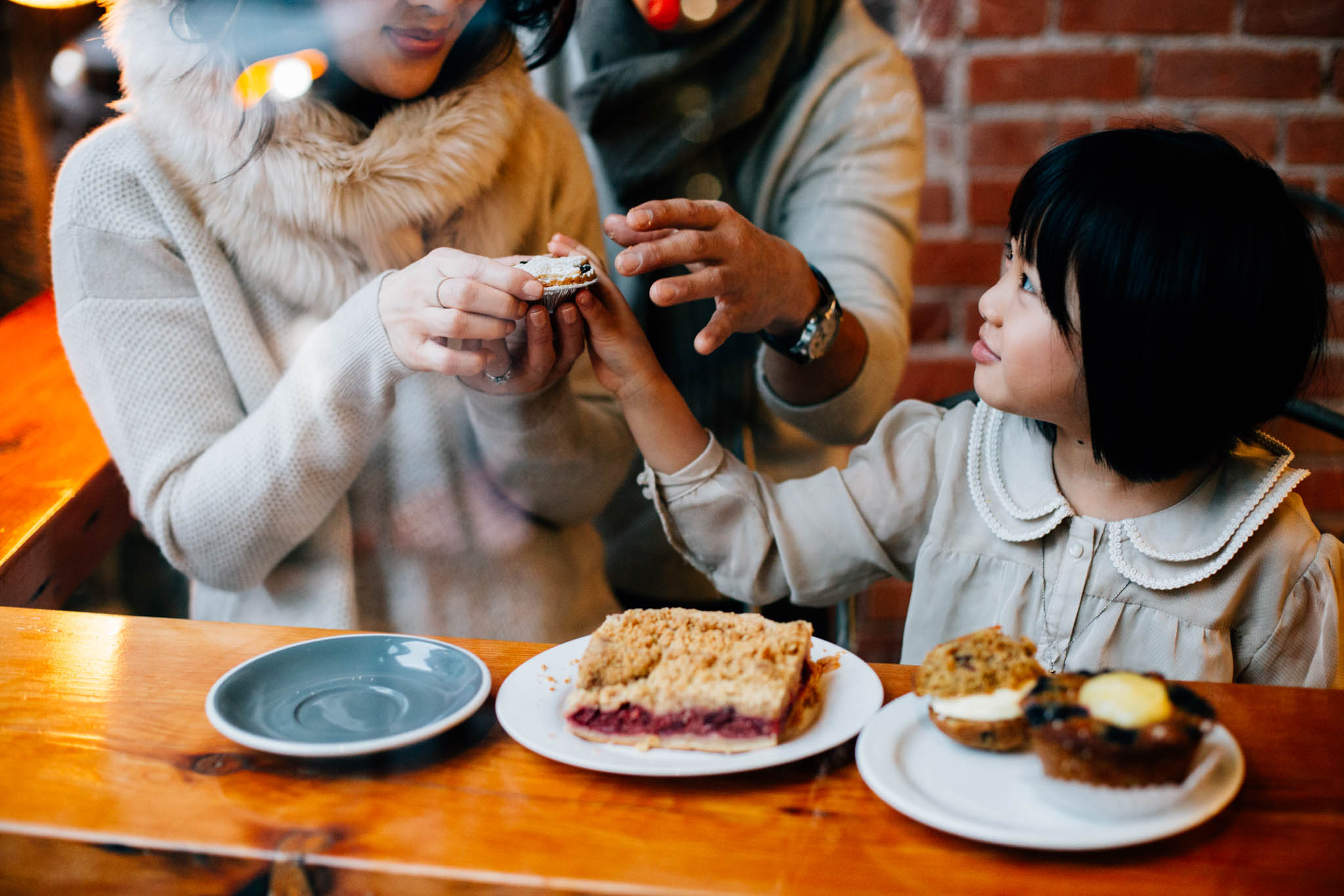 Vancouver lifestyle family coffee shop photographer - Emmy Lou Virginia Photography-8.jpg