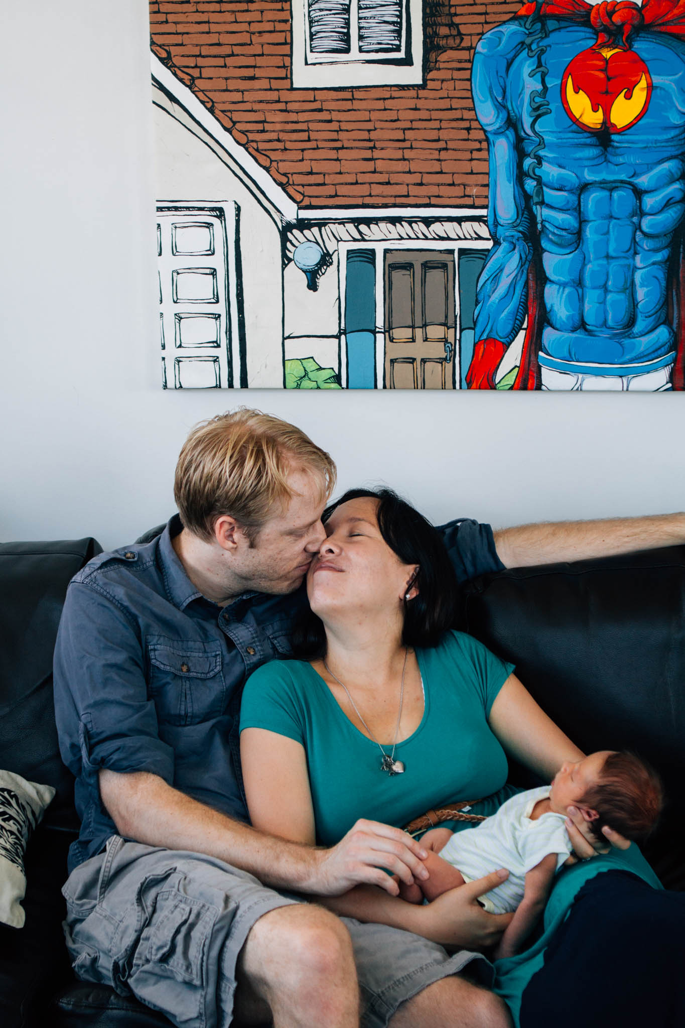Downtown Vancouver lifestyle newborn in home photographer - Emmy Lou Virginia Photography-5.jpg