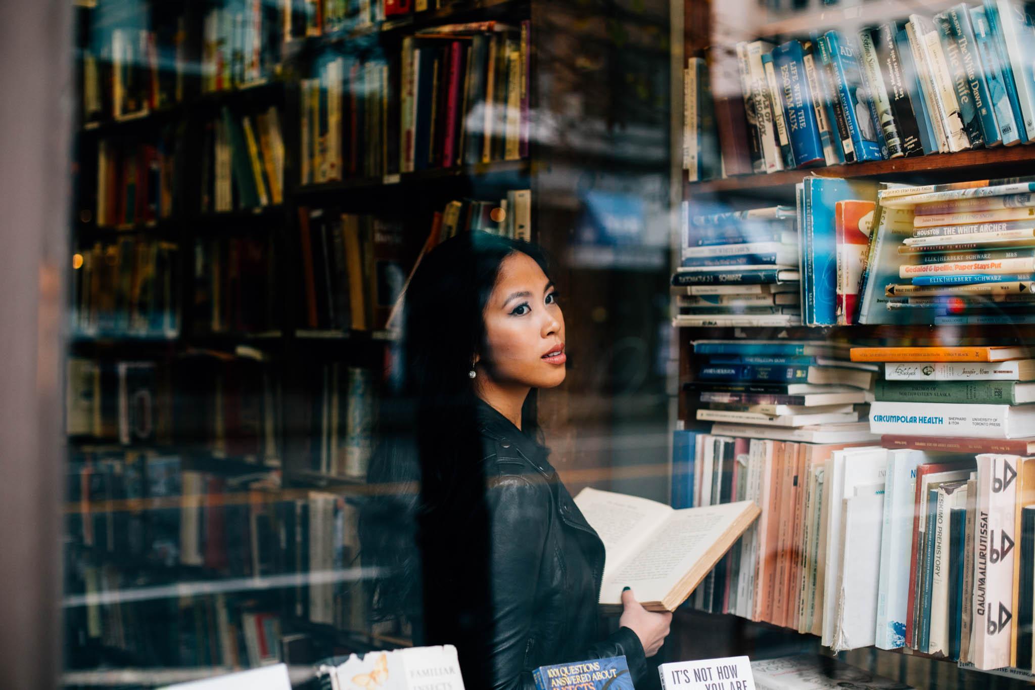 Vancouver downtown bookstore lifestyle portrait photographer - Emmy Lou Virginia Photography-2.jpg
