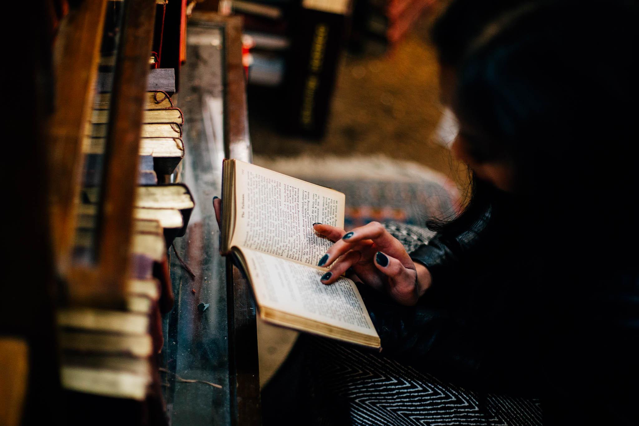 Vancouver downtown bookstore lifestyle portrait photographer - Emmy Lou Virginia Photography-4.jpg