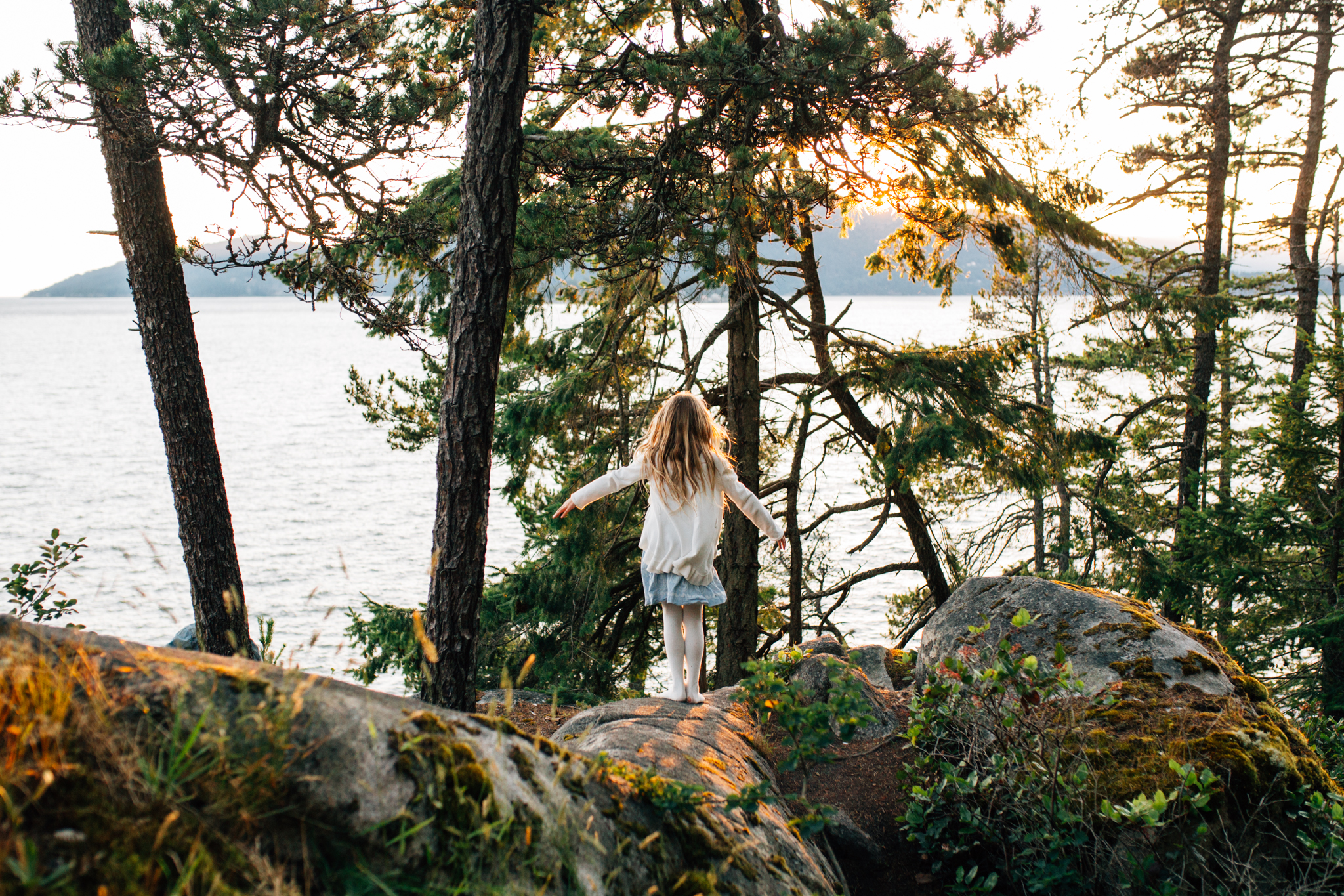 Lighthouse Park Family Photographer West Vancouver -Emmy Lou Virginia Photography-13.jpg