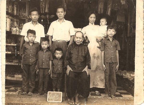 Vietnamese Family Vietnam war  Vietnamese bakery  Vietnamese Refugees