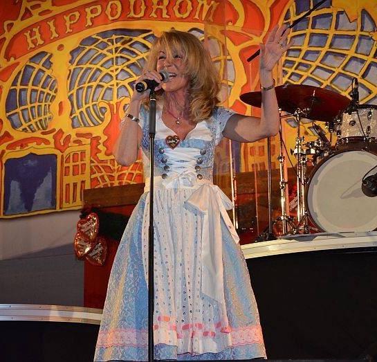 Linda Jo Rizzo at the Hippodrom