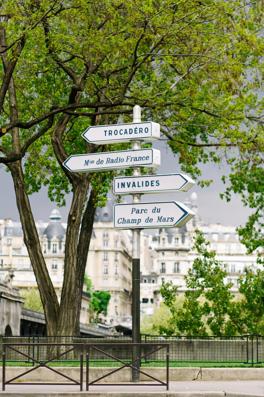 paris sign