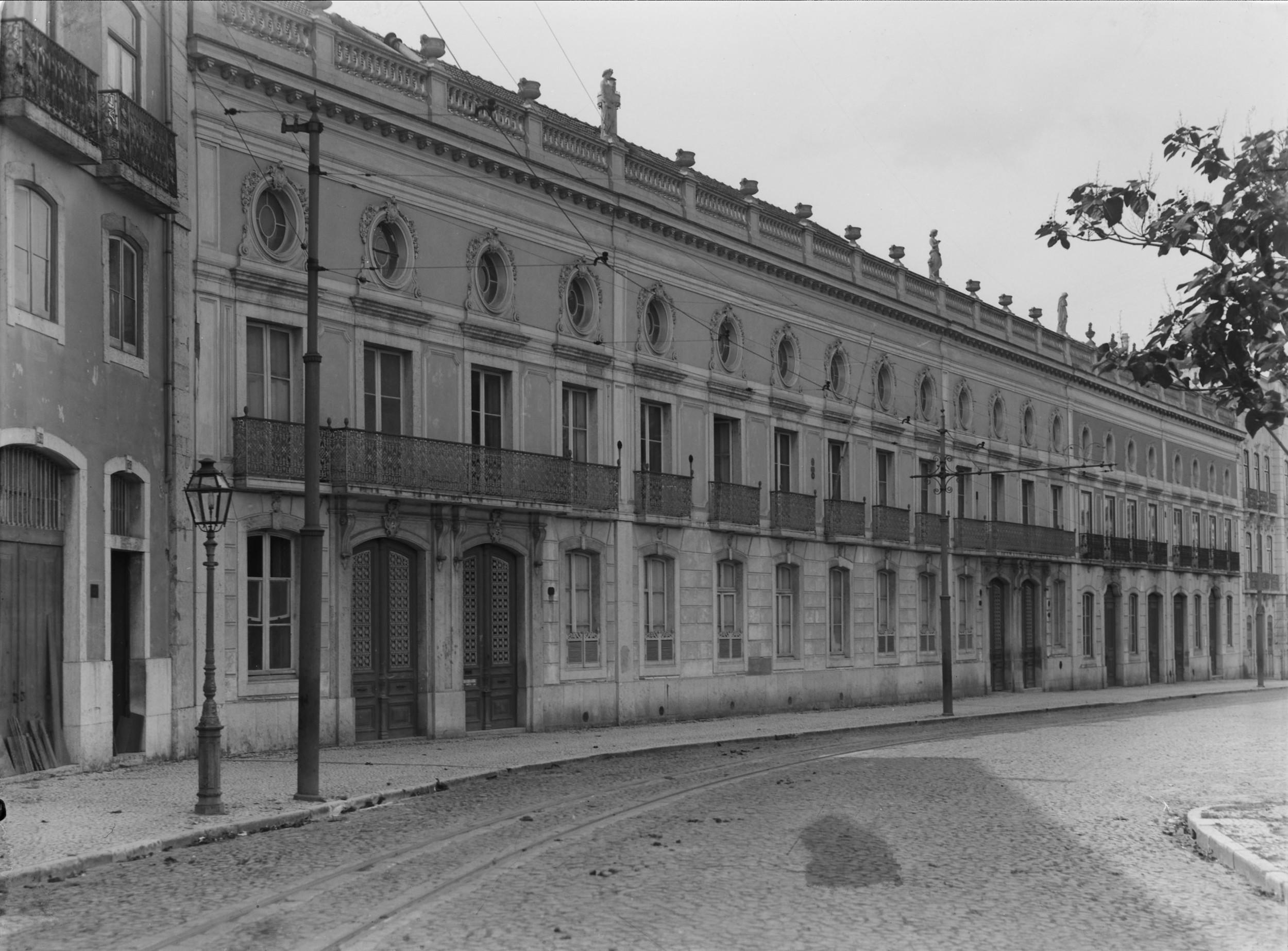 Instituto Superior Técnico, Lisbon  Photo: Mário Novais, ca. 1936-37, Lisbon  Biblioteca de Arte da Fundação Calouste Gulbenkian [CFT003_051859]