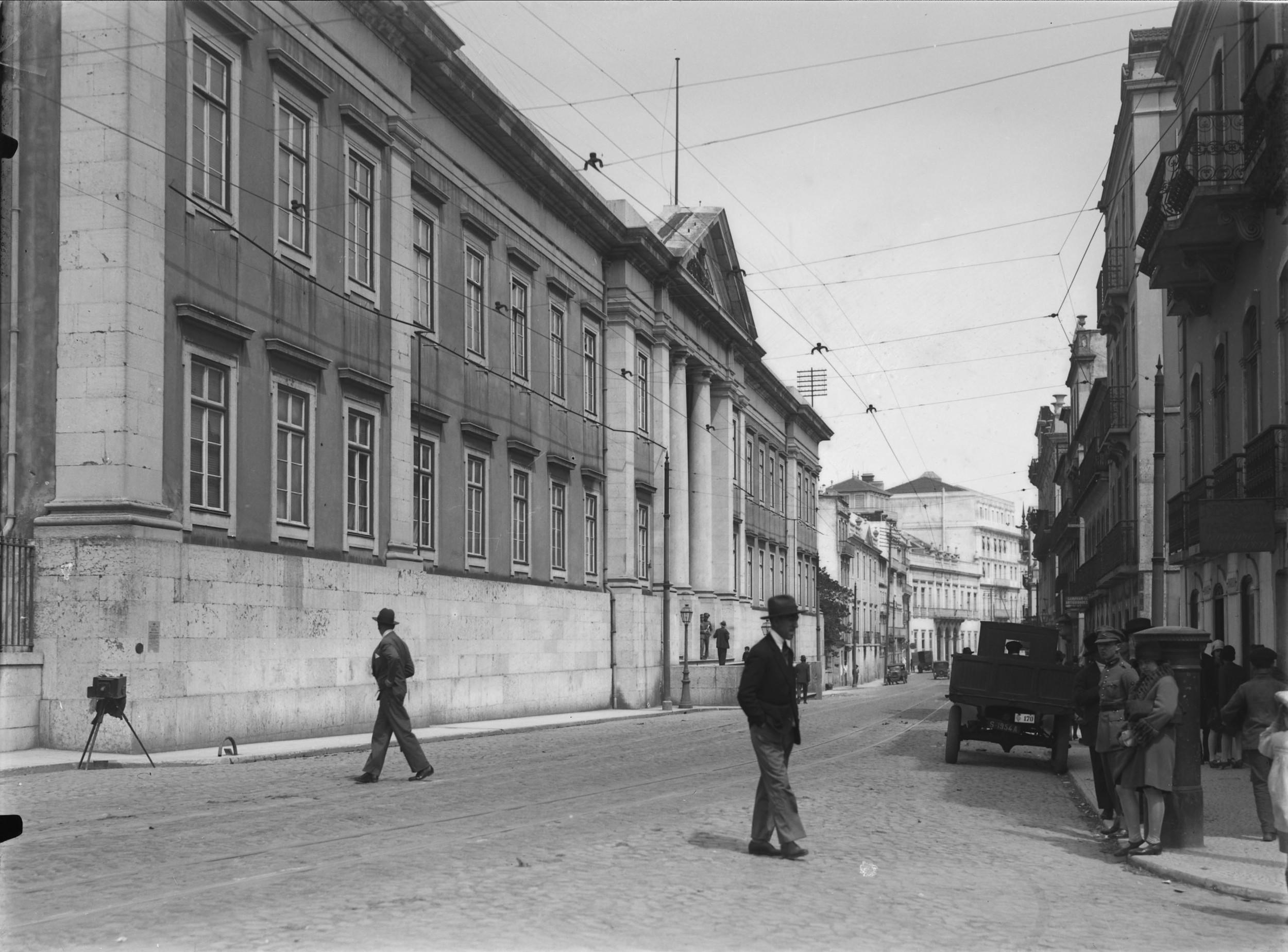 Instituto Superior Técnico, Lisbon  Photo: Mário Novais, ca. 1936-37, Lisbon  Biblioteca de Arte da Fundação Calouste Gulbenkian [CFT003_051858]