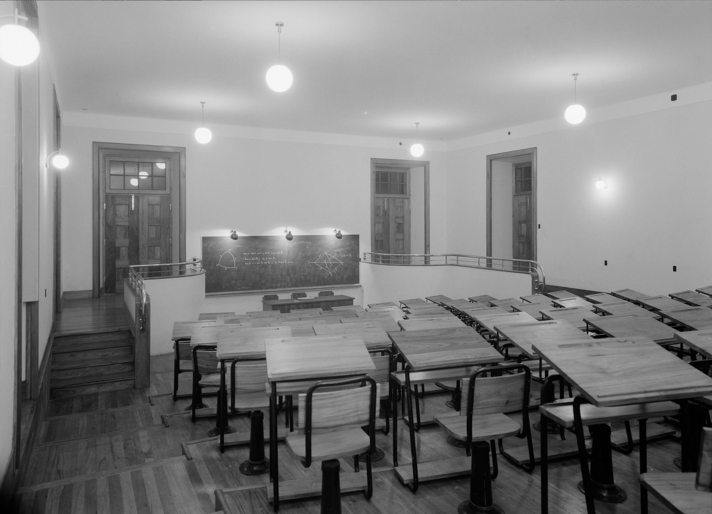 Instituto Superior Técnico, Lisbon  Photo: Mário Novais, ca. 1936-37, Lisbon  Biblioteca de Arte da Fundação Calouste Gulbenkian [CFT003_057329]