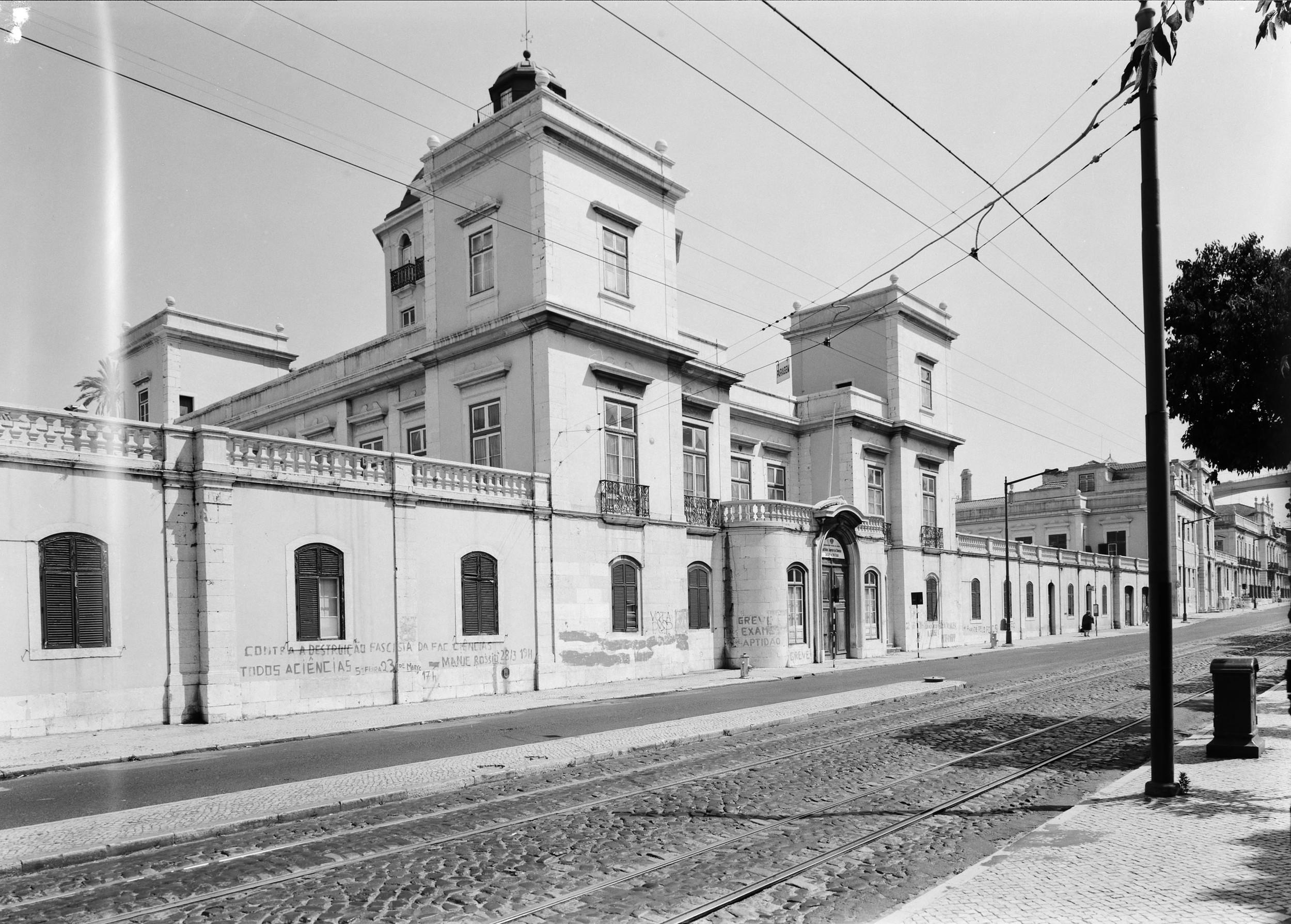 Institute of Science and Policy, Lisbon   Photo: Studio Mário Novais, ca. 1975-1988, Lisbon  Biblioteca de Arte da Fundação Calouste Gulbenkian [CFT003_075446]