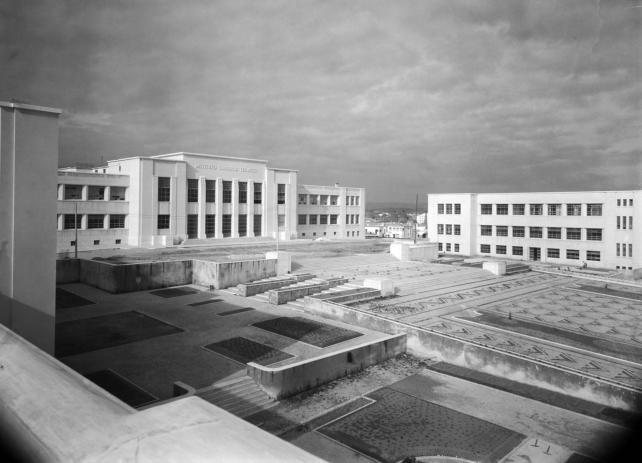 Instituto Superior Técnico, Lisboa, Portugal, 1936-1937