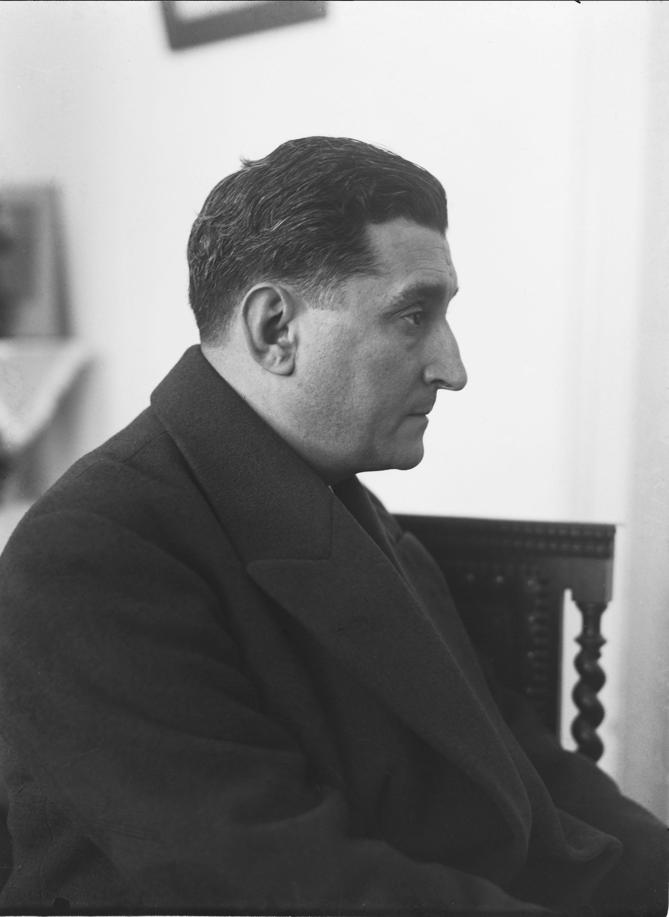 Photo: Mário Novais, 1941,Lisbon  Biblioteca de Arte da Fundação Calouste Gulbenkian [CFT003_050517]