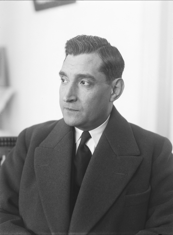 Photo: Mário Novais, 1941,Lisbon  Biblioteca de Arte da Fundação Calouste Gulbenkian [CFT003_050521]